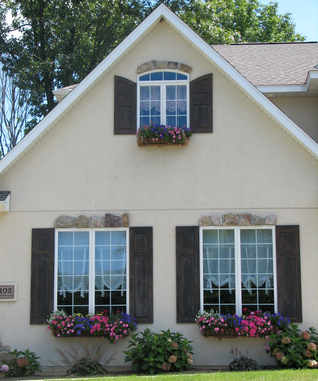 How to Install Arched Top Shutters Correctly