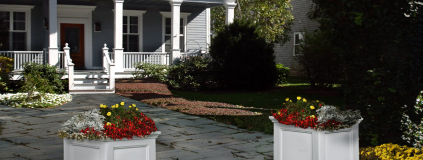 The Prestige vinyl planter is a classic style that works with any home.