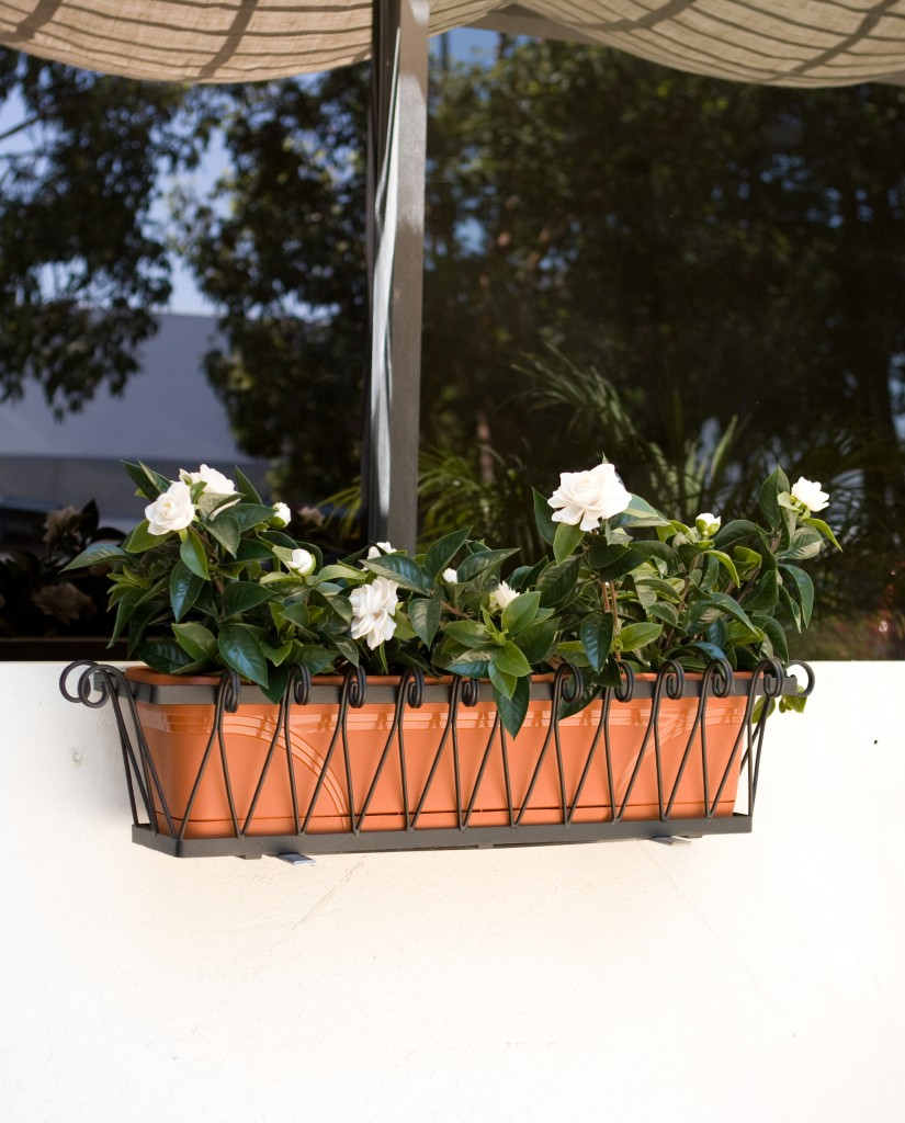 With brackets, you can put your Medallion window box almost anywhere!